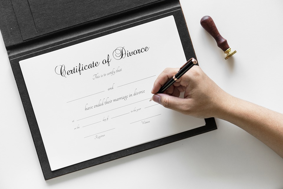 Firmar el divorcio| Foto: Pixabay