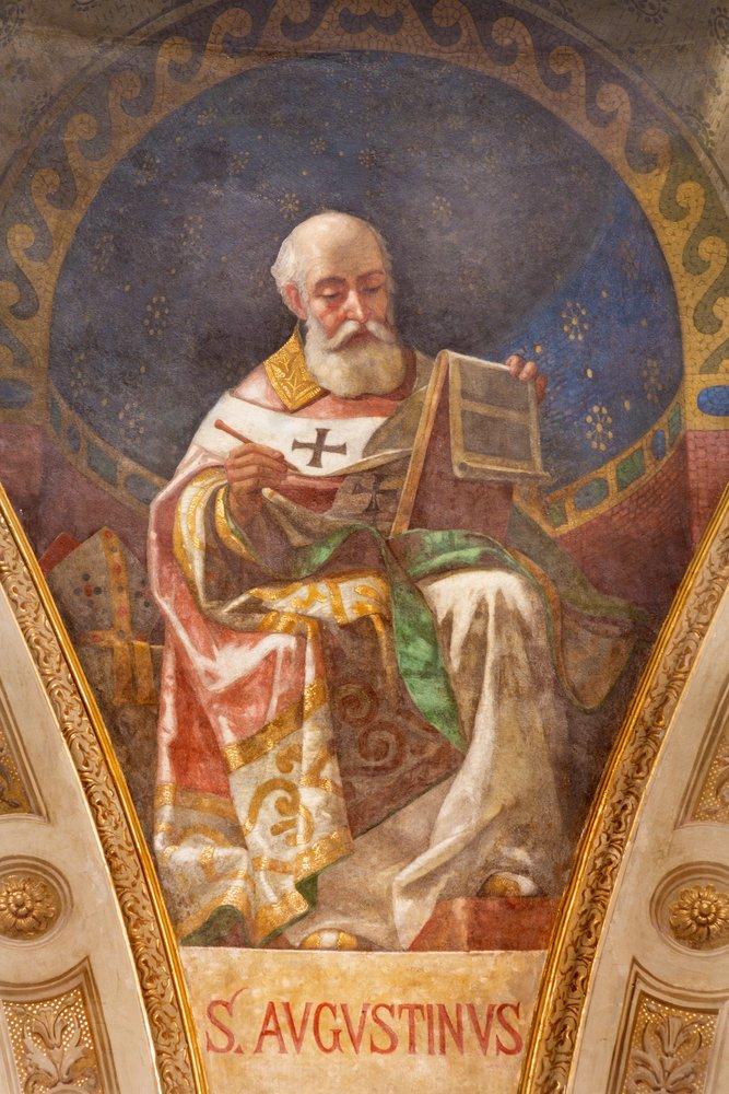 Fresco de San Agustín en la cúpula de la iglesia Basílica María Auxiliadora de Giuseppe Rollini.| Fuente: Shutterstock