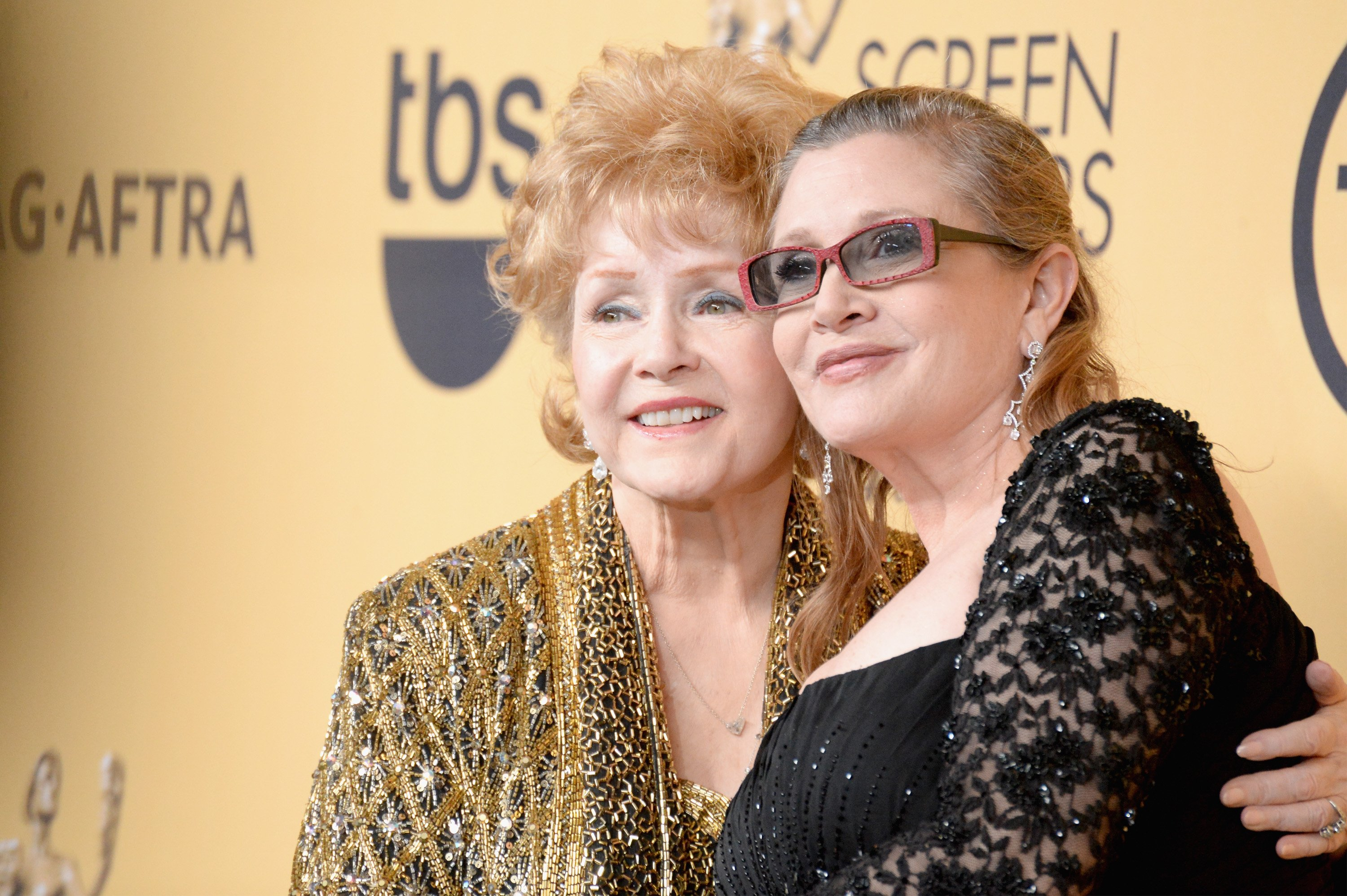 Carrie Fisher and Debbie Reynolds at the 21st Annual Screen Actors Guild Awards in Los Angeles, 25 January, 2015. | Photo: Getty Images