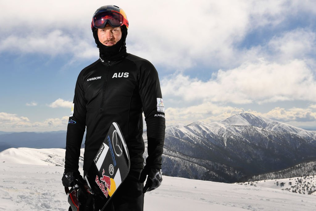 Late Alex Pullin poses during a portrait session on August 24, 2017 at Mount Hotham, Australia | Photo: Getty Images