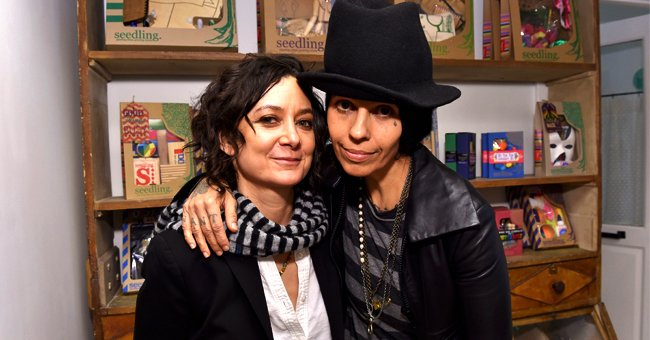 A Look at Sara Gilbert's 5-Year Marriage to Linda Perry and Their Breakup