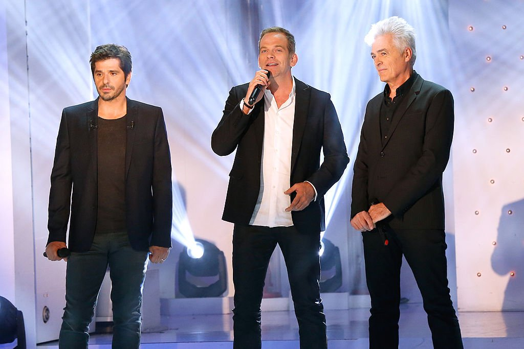 "Les chanteurs Patrick Fiori, Garou et Daniel Lavoie interprètent et chantent ""Belle"" à l'émission de télévision française ""Vivement Dimanche"" au Pavillon Gabriel le 9 avril 2014 à Paris , France. 
