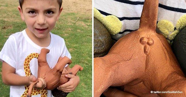 Une maman de cinq enfants furieuse que ses enfants aient trouvé un pénis sur un animal jouet d'un supermarché