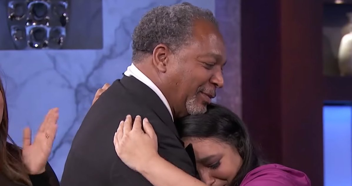 """Woman reunited with her father after 30 years on """"The Real"""" 