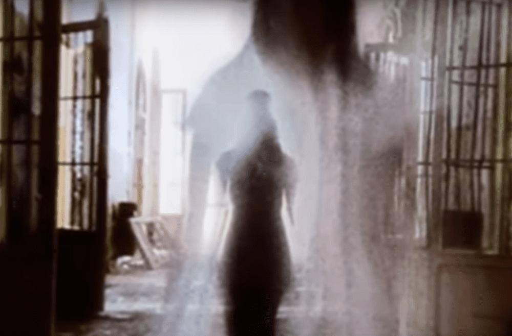 Imagen representando el fantasma de una mujer. | Imagen: YouTube/Etzen Espanto