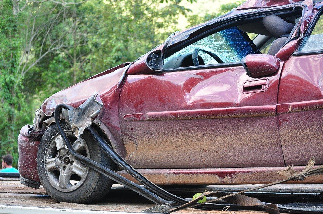 Une voiture accident | Source : Pixabay