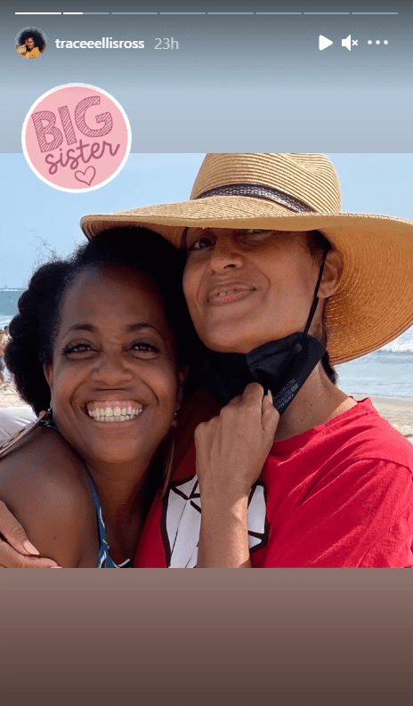 Tracee Ellis Ross and her sister Diana Ross hugging each other at a beach.   Photo: Instagram/traceeellisross