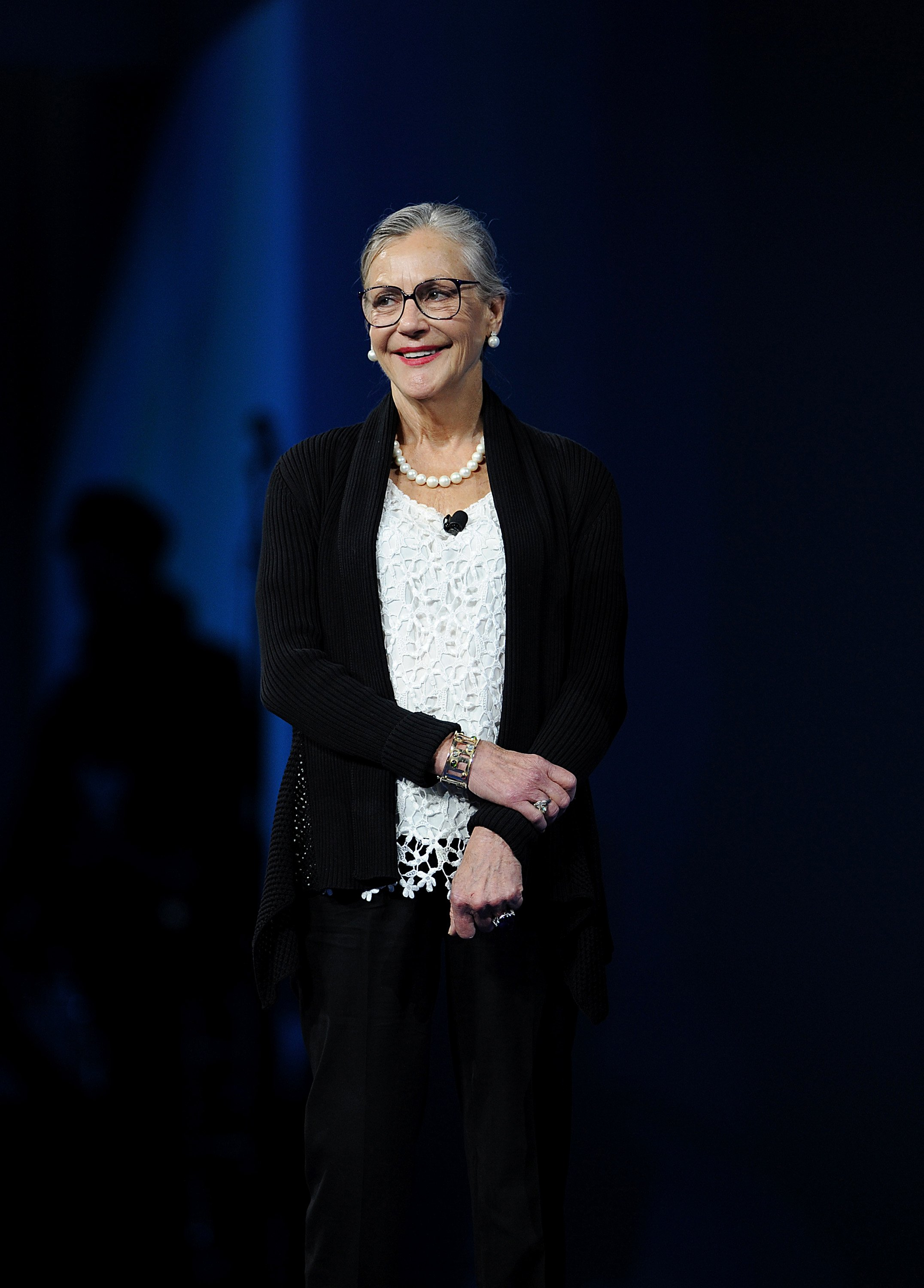 Alice Walton presenting the Entrepreneur Award on Friday, June 7, 2013. | Photo: Getty Images