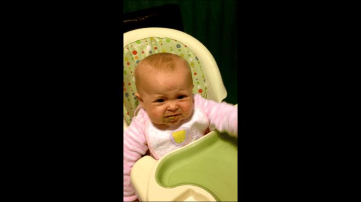 Bébé de six mois dit les premiers mots. | Photo : Youtube/Jomantgixxer