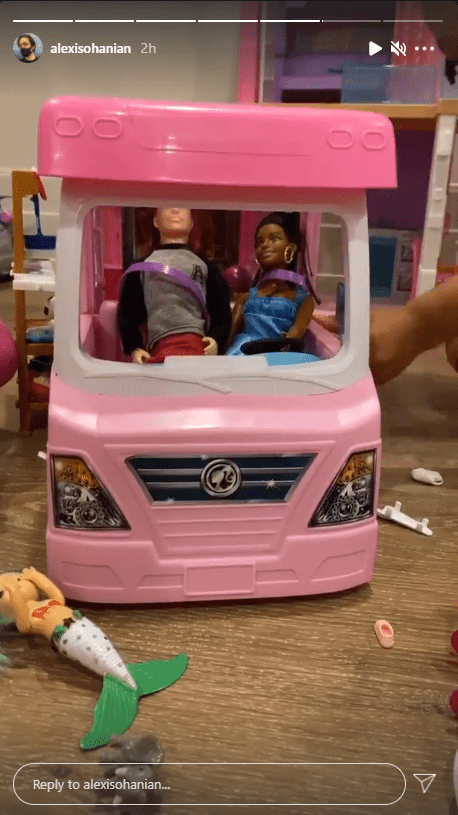 Alexis Ohanian's Instagram story featuring his daughter Alexis Olympia's black and white dolls in a toy car. | Photo: instagram/alexisohanian