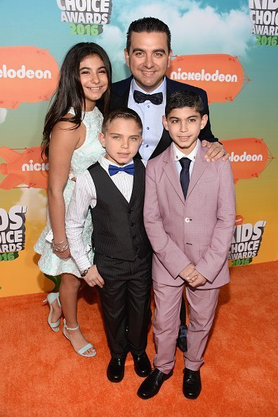 (L-R) Sofia Valastro, Marco Valastro, Buddy Valastro, and Buddy Valastro Jr. attend Nickelodeon's 2016 Kids' Choice Awards at The Forum on March 12, 2016, in Inglewood, California. | Source: Getty Images.