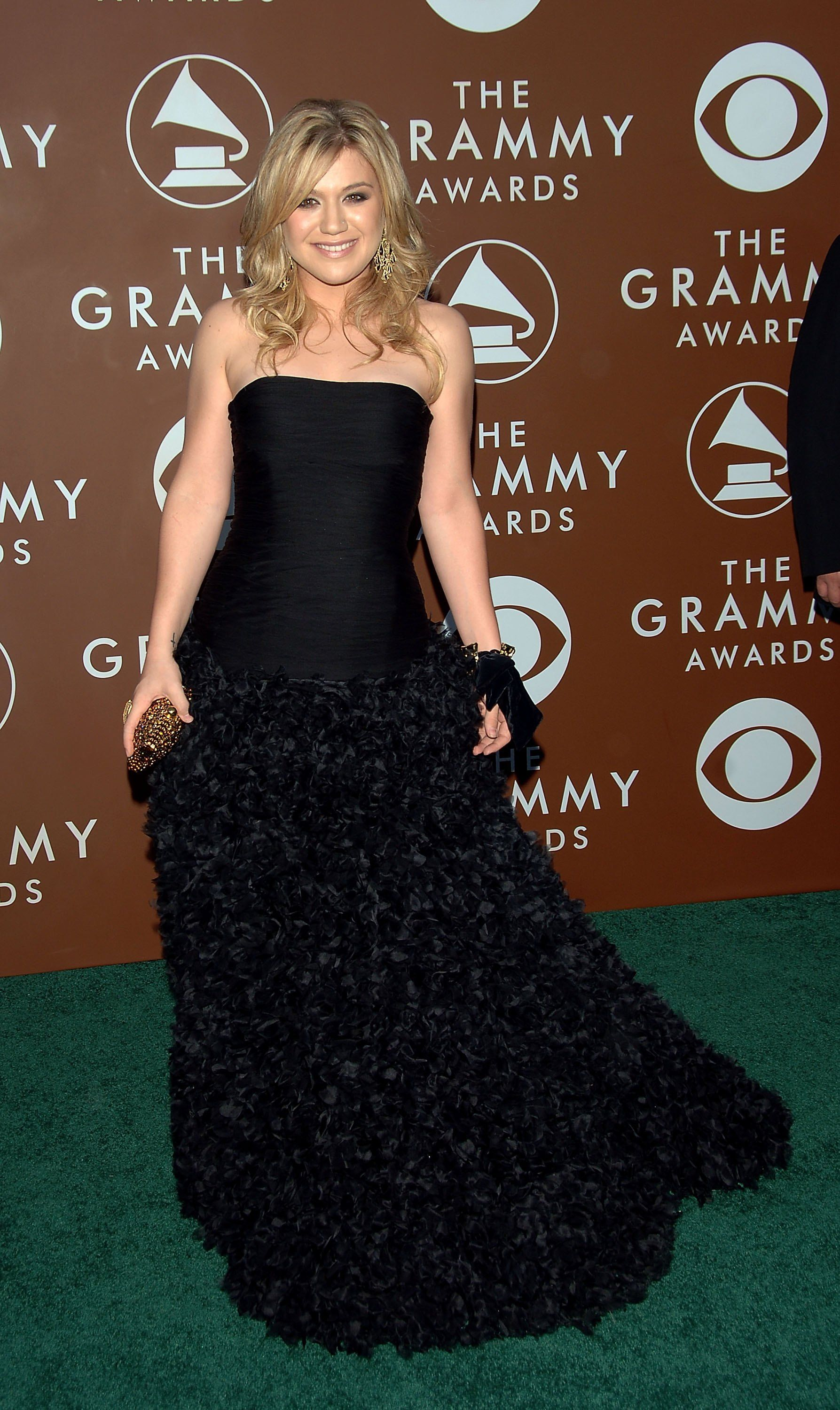 Kelly Clarkson at the 48th Annual Grammy Awards on February 8, 2006, in Los Angeles, California | Photo: Stephen Shugerman/Getty Images
