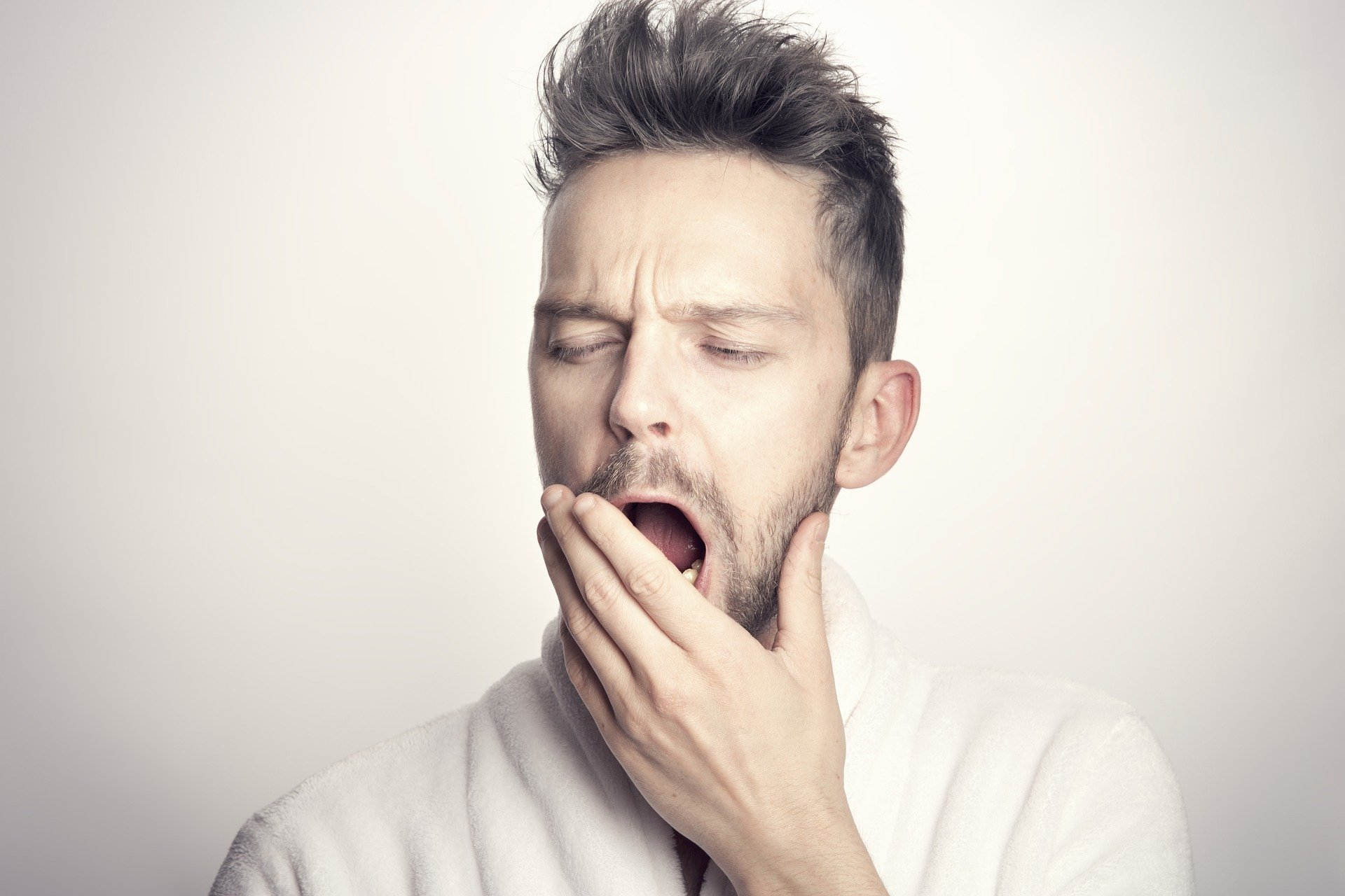 Have you ever been yelled at for yawning? | Photo: Pixabay/Sammy-Williams