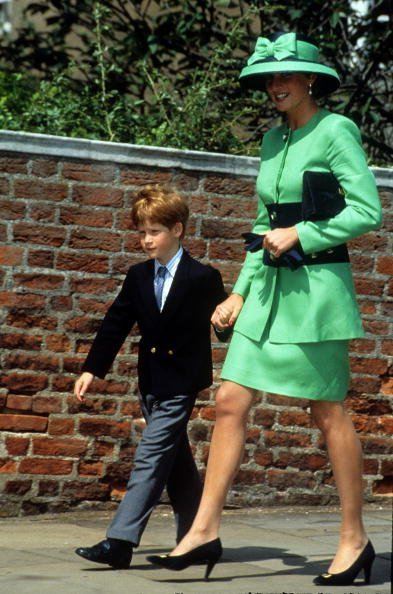 Princess Diana and Prince Harry at St. George's Chapel on July 18, 1992 in Windsor, England | Photo: Getty Images