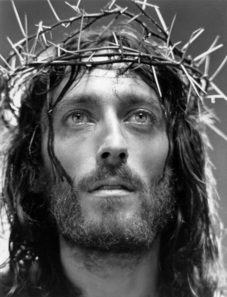 Robert Powell como Jesucristo en 'Jesus de Nazareth'. | Imagen: Getty Images