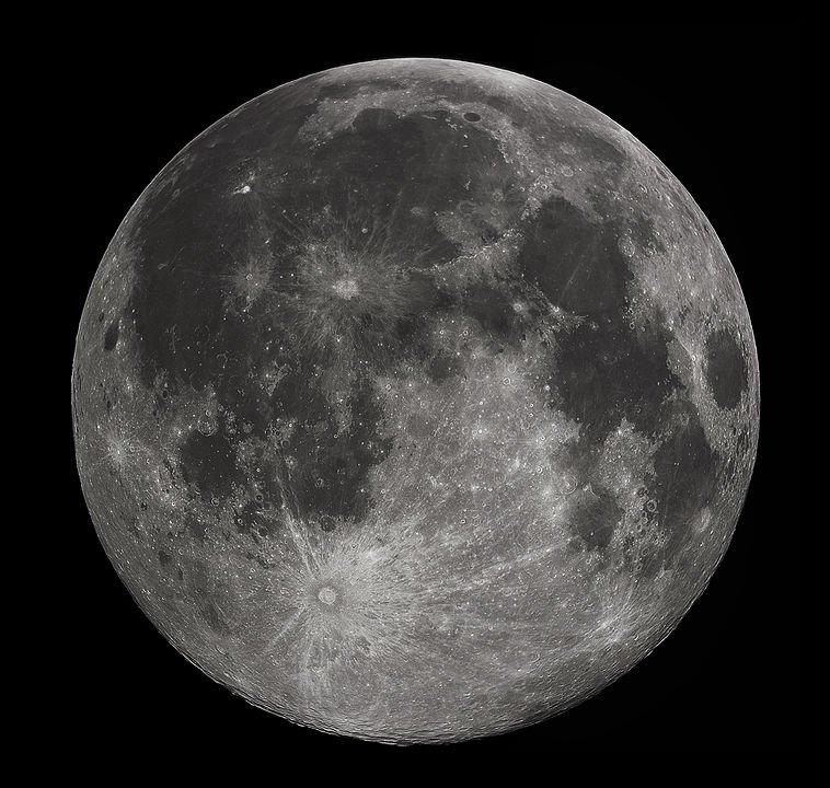 A full moon | Photo: Wikipedia/Gregory H. Revera