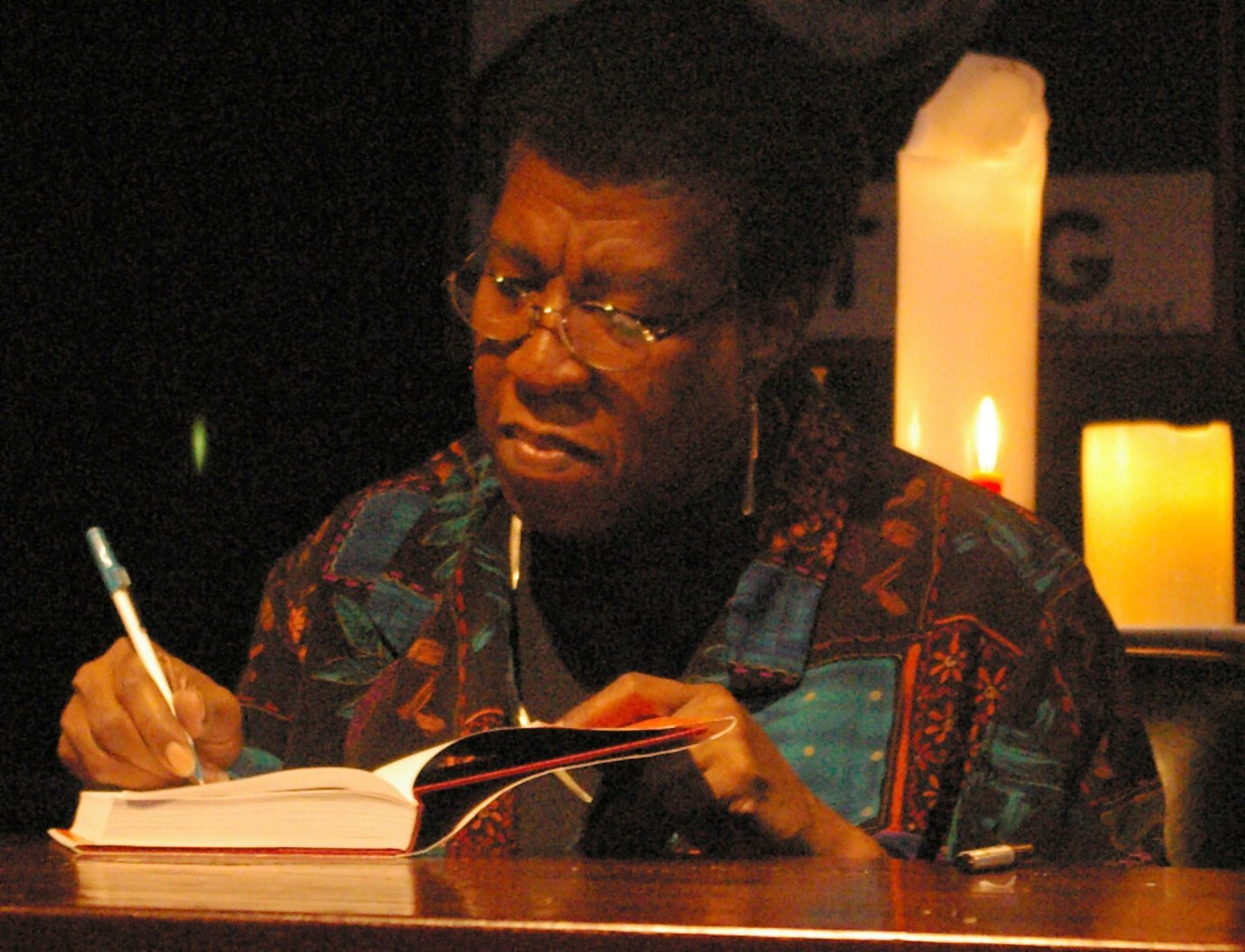 """Octavia Estelle Butler signing a copy of """"Fledgling"""" after speaking and answering questions from the audience on October 25, 2005. 