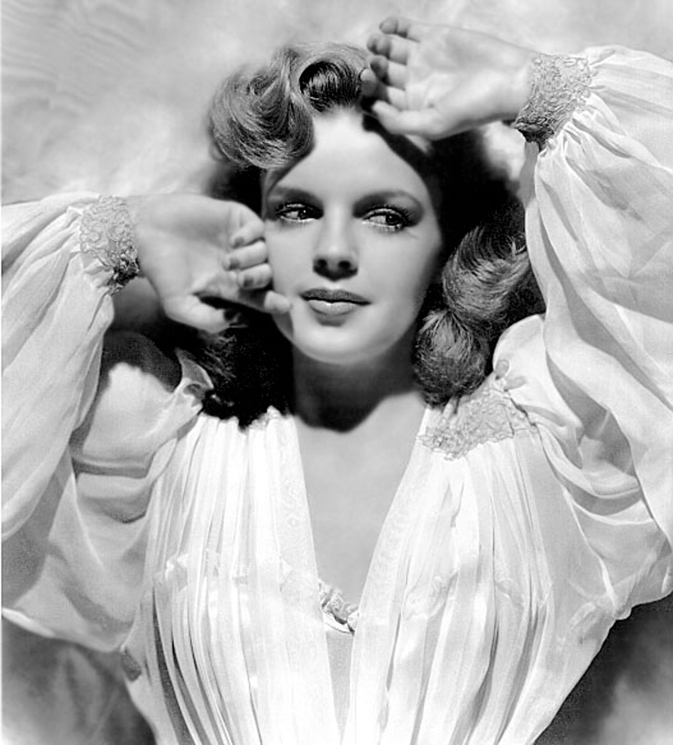A monochrome portrait of Judy Garland, circa 1942   Photo: Getty Images