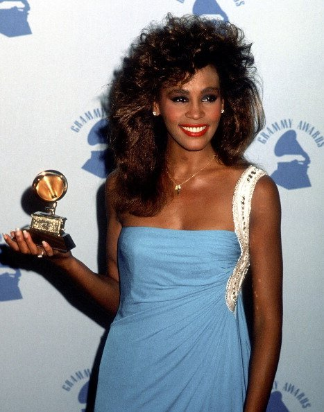 Singer Whitney Houston attends the 28th Annual Grammy Awards on February 25, 1986 | Photo: Getty Images
