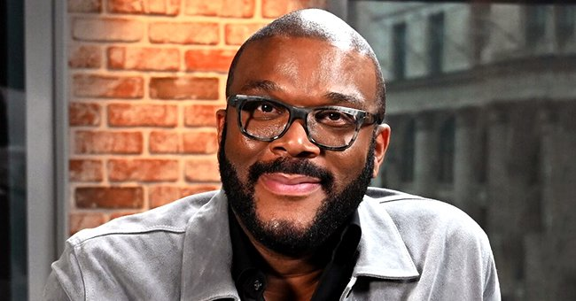 Tyler Perry Pays for Elderlies' Groceries at 73 Stores in Atlanta and New Orleans