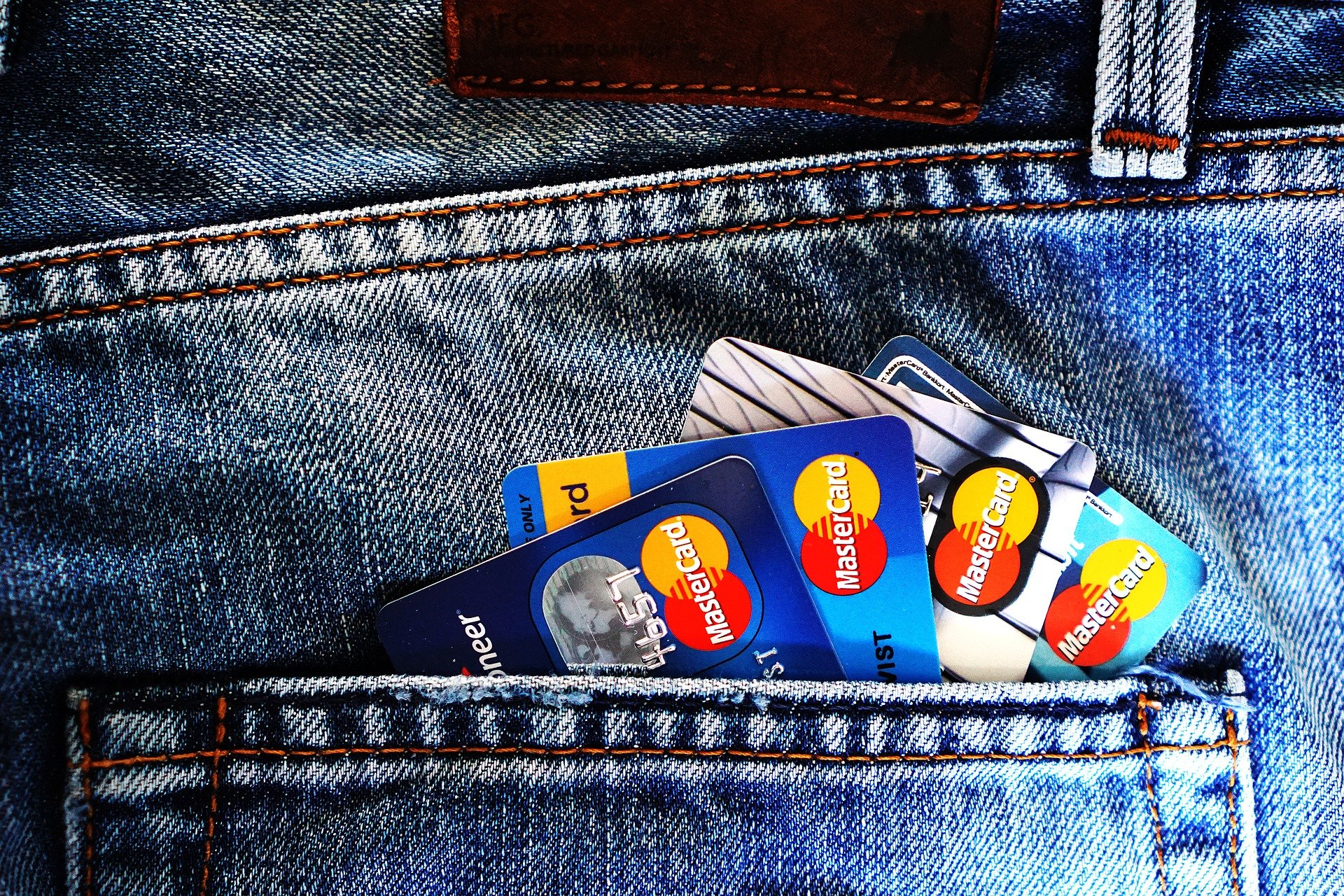 Pocket filled with credit cards.   Photo: Pixabay/TheDigitalWay