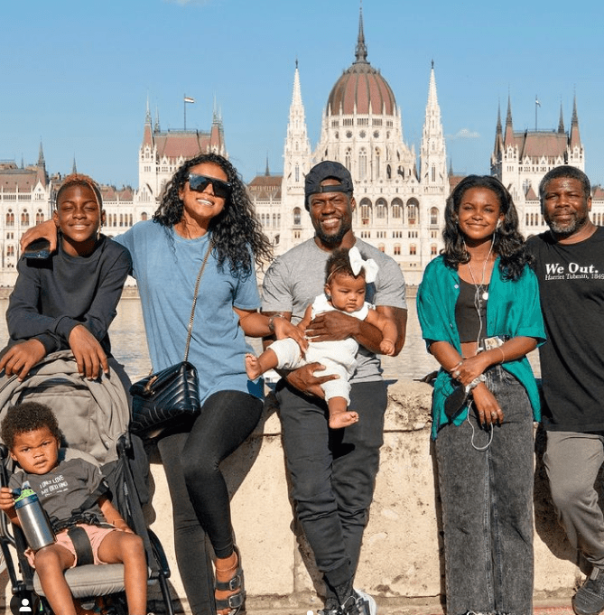 Kevin Hart with his family in Budapest.   Source: Instagram/enikohart