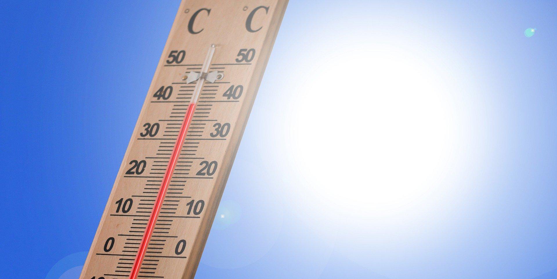 Un thermomètre montrant une forte chaleur   Photo : Pixabay