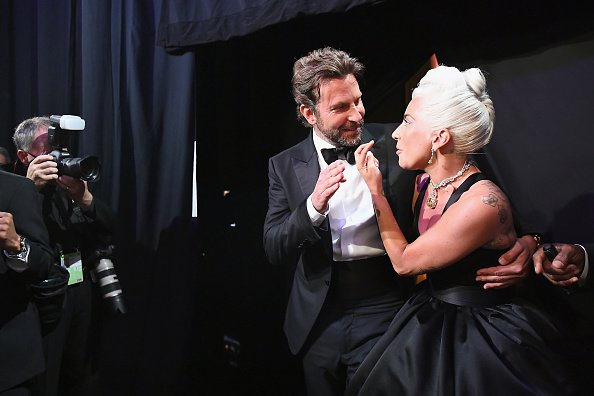 Bradley Cooper and Lady Gaga pose backstage during the 91st Annual Academy Awards | Photo: Getty Images