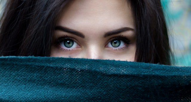 Woman looking directly at camera | Source: Unsplash