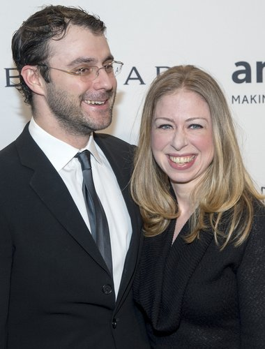 Marc Mezvinsky and Chelsea Clinton attend the 2014 amfAR New York Gala at Cipriani Wall Street on February 5, 2014 in New York City.| Photo: GettyImages