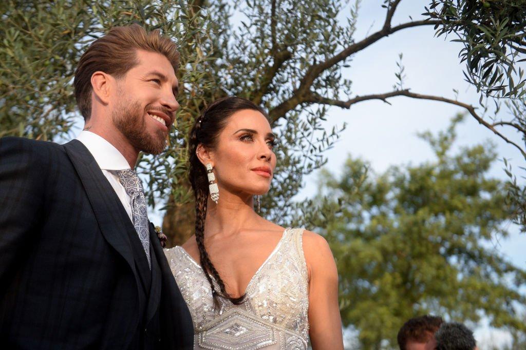 La novia Pilar Rubio y el novio Sergio Ramos posan antes de la boda el 15 de junio de 2019 en Sevilla, España. | Imagen: Getty Images