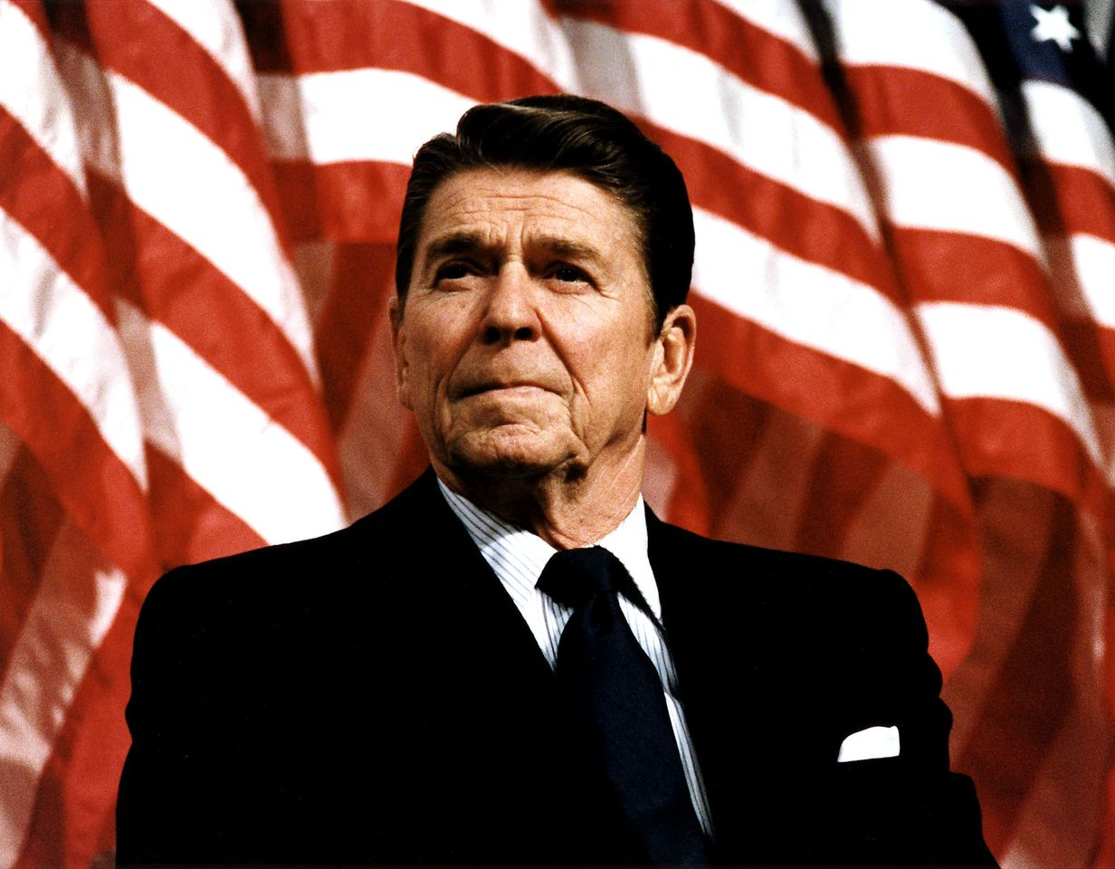 Former U.S. President Ronald Reagan spoke at a rally for Senator Durenberger February 8, 1982 | Photo: Getty Images
