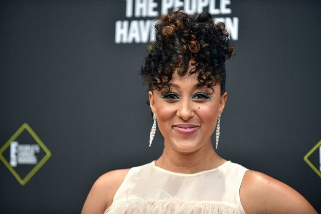 Tamera Mowry-Housley attends the 2019 E! People's Choice Awards at Barker Hangar on November 10, 2019 | Source: Getty Images/GlobalImagesUkraine