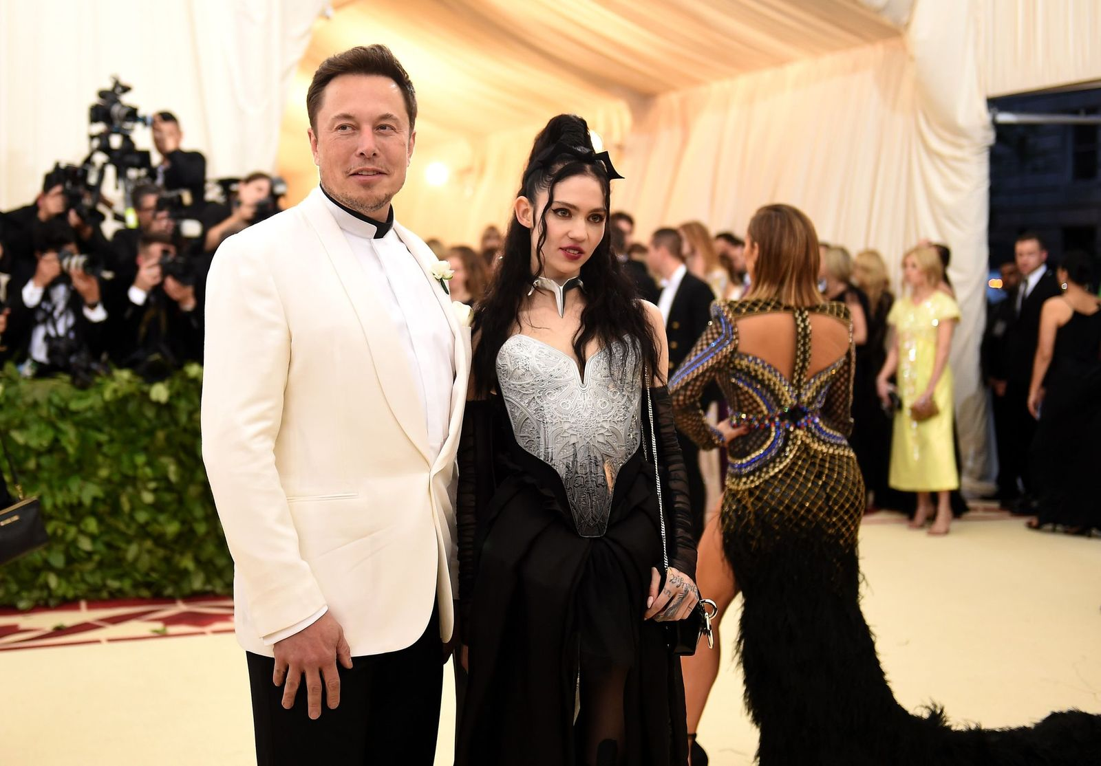 Elon Musk and Claire Boucher aka Grimes attending the Met Gala in 2018 Source | Photo: Getty Images