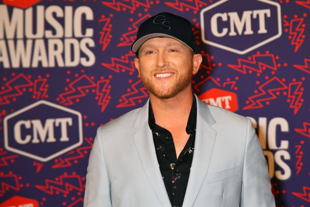 Cole Swindell attends the 2019 CMT Music Awards at Bridgestone Arena on June 05, 2019. | Photo: Getty Images