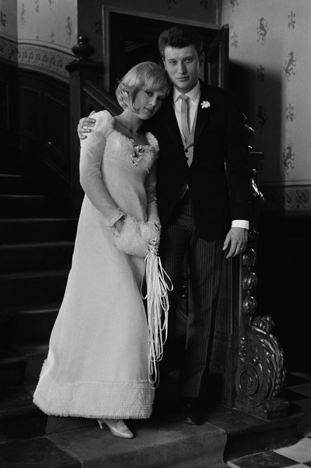 Johnny Hallyday et Sylvie Vartan le jour de leur mariage en 12 avril 1965 | Photo : Getty Images