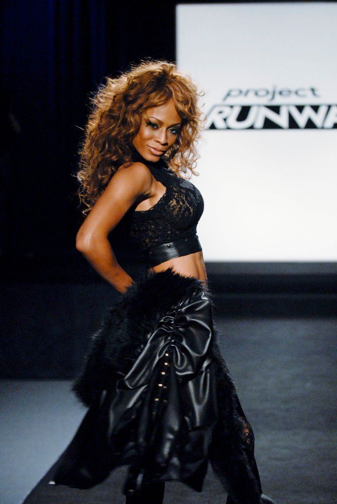 WWE Wrestler Kristal Marshall in a design by Christian Siriano at Project Runway on June 28, 2007. | Photo: Getty Images