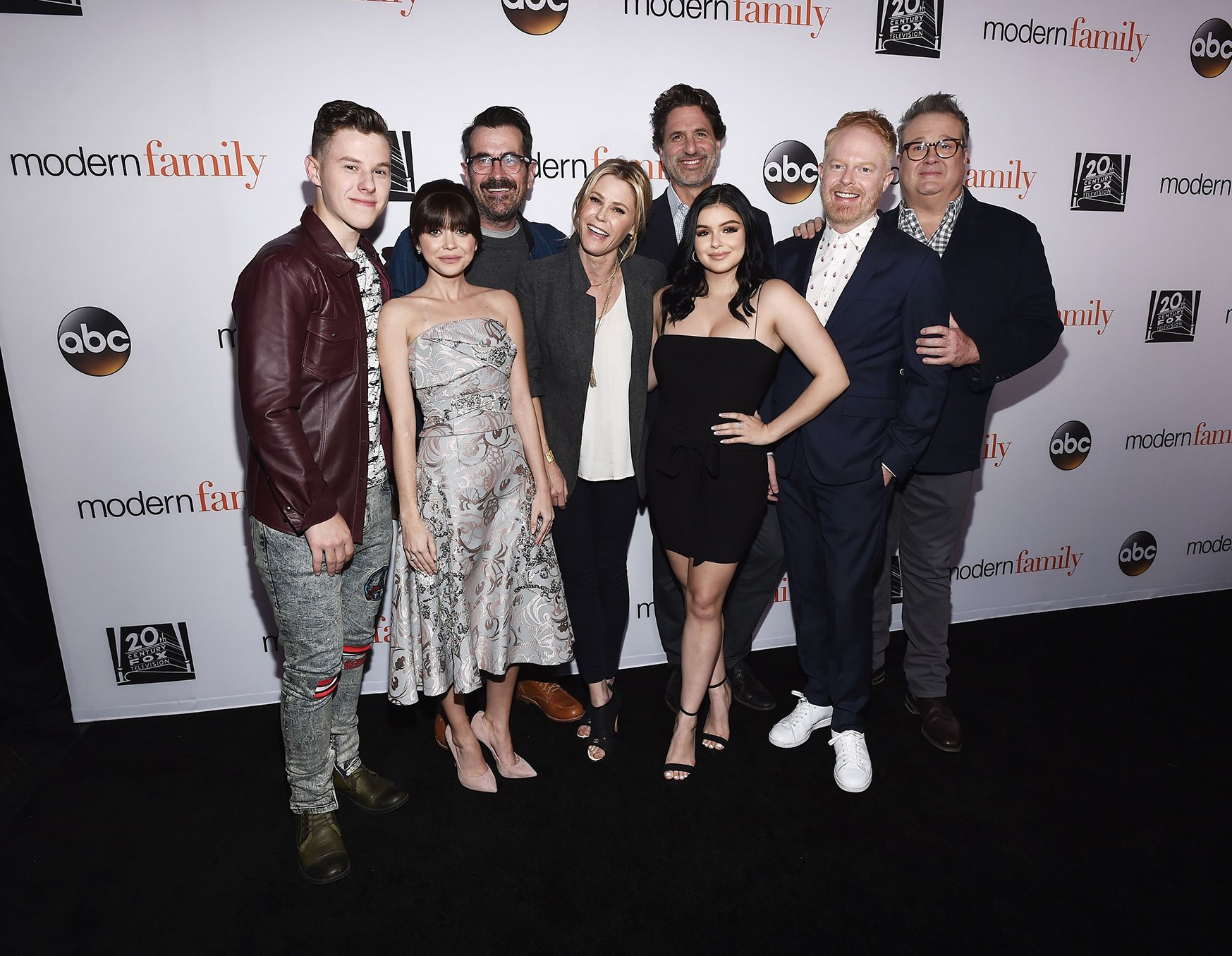 """Ty Burrels and the """"Modern Family"""" cast at a FYC Event in 2018 in Hollywood   Source: Getty Images"""