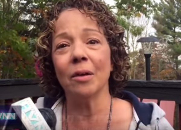 Mariah Carey's Sister, Alison speaking to a media outlet on Oct 30, 2016 at Haughton Park | Image: Youtube / Marría Catchy