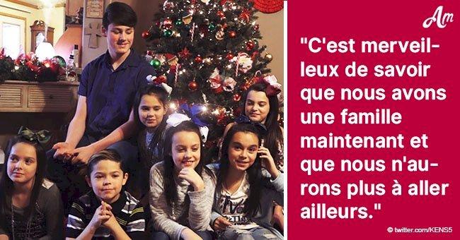 Un couple adopte sept frères et sœurs pour leur offrir un foyer juste avant Noël