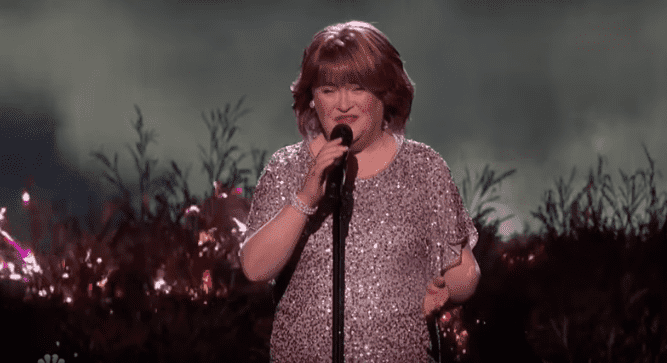 "Susan Boyle singing Les Misérables' ""I Dreamed a Dream"" on ""America's Got Talent"" at the Dolby Theatre in Hollywood 