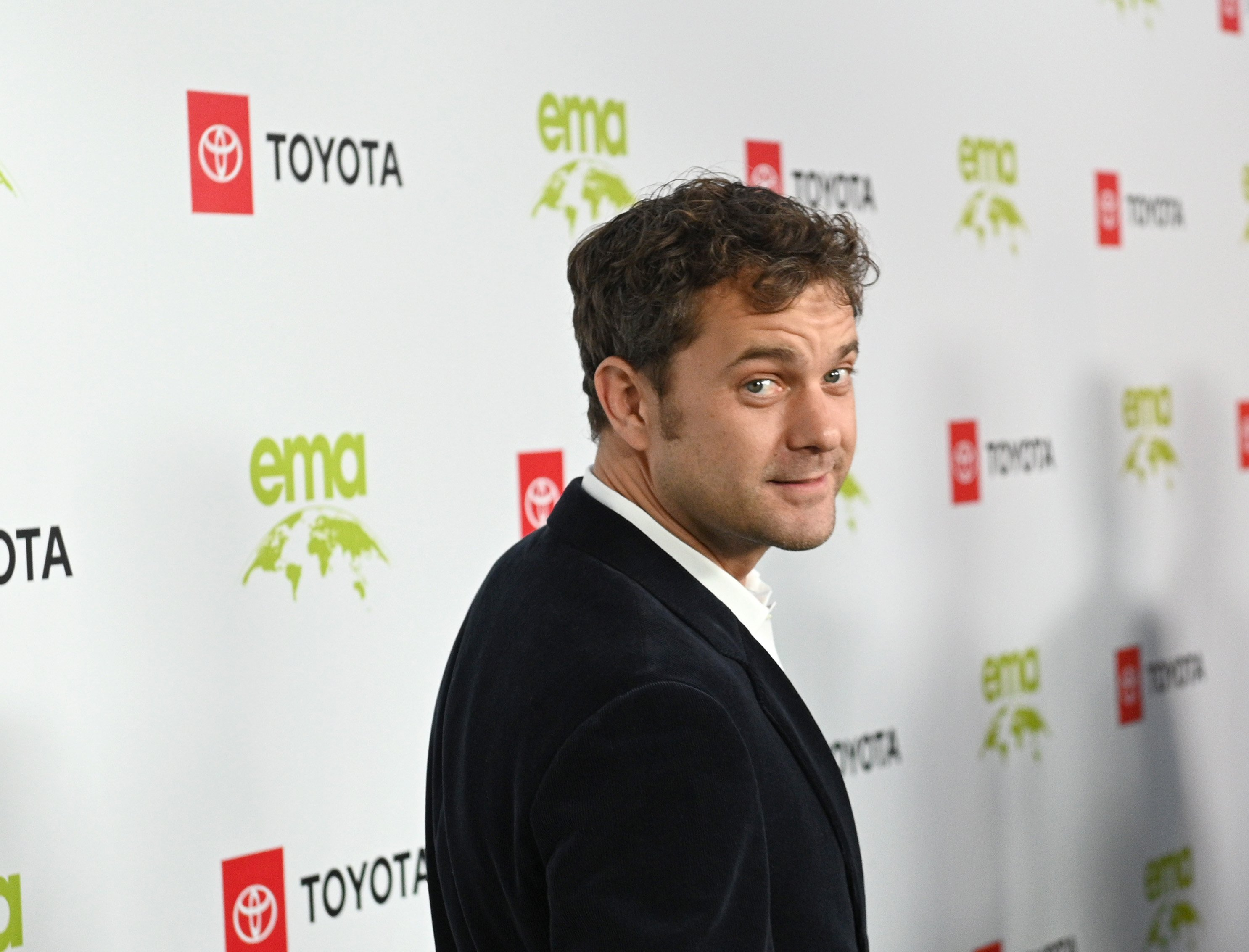 Joshua Jackson attending the Environmental Media Association 2nd Annual Honors Benefit Gala in September 2019. | Photo: Getty Images