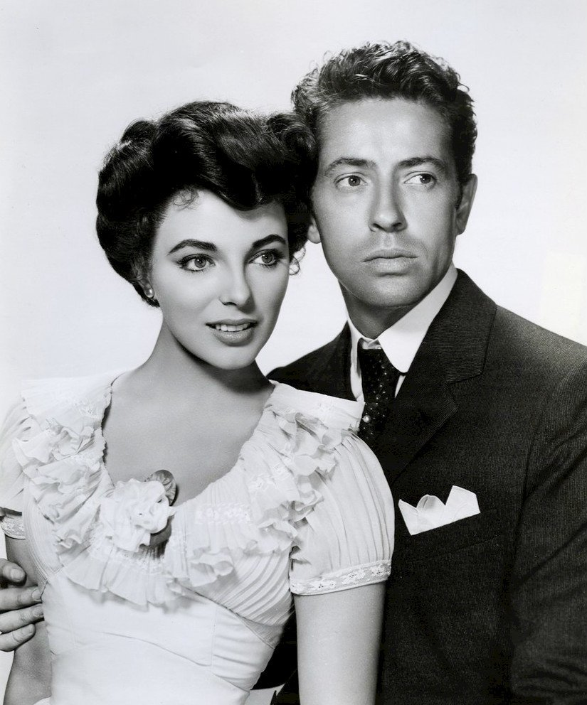 Joan Collins and Farley Granger from the film 'The Girl in the Red Velvet Swing,' 1956 | Photo: Wikimedia Commons Images