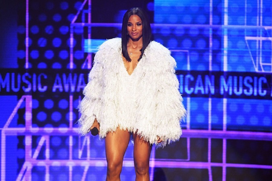 Ciara speaking onstage during the 2019 American Music Awards in Los Angeles, California.| Photo: Getty Images.