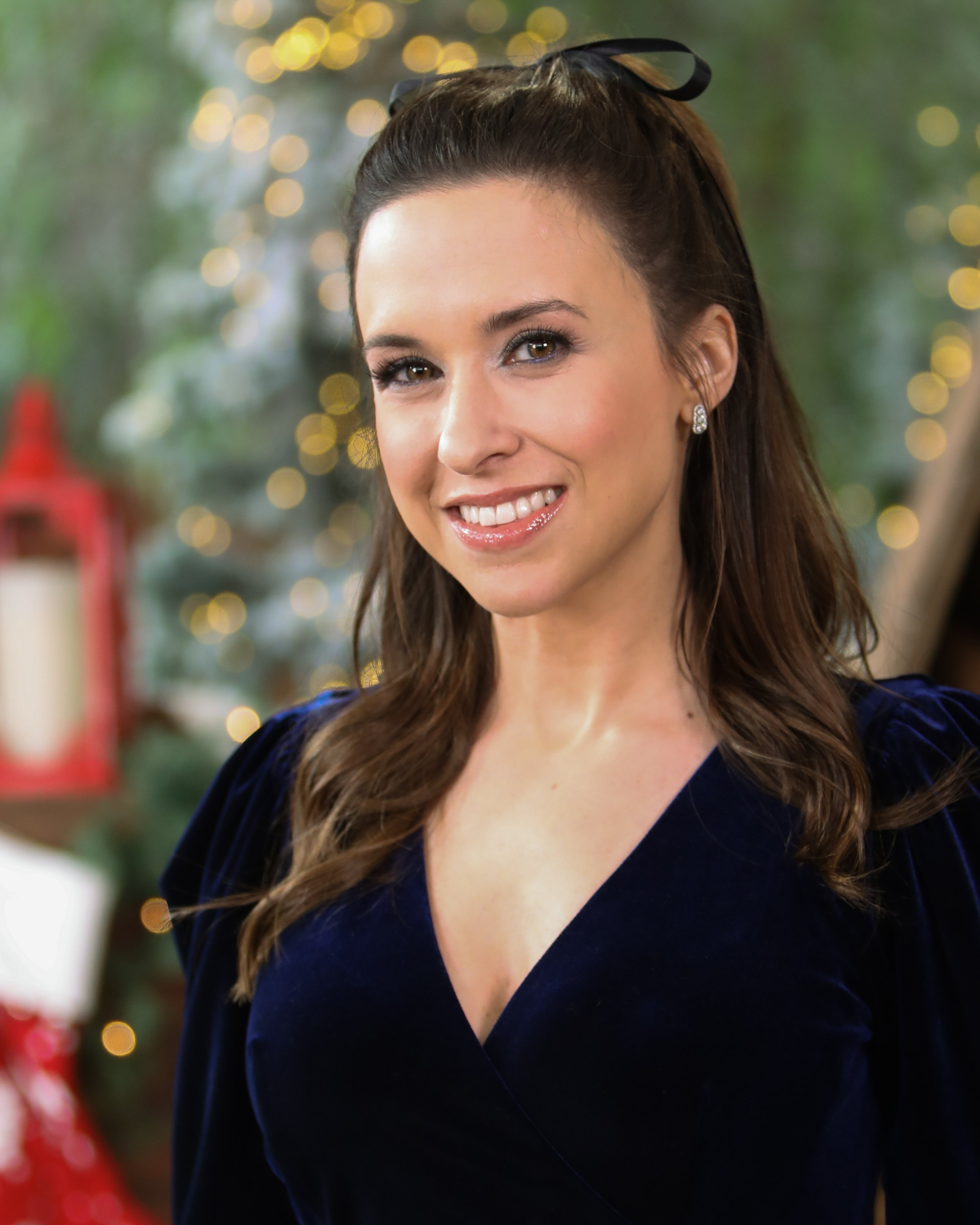 Lacey Chabert at Universal Studios Hollywood on December 14, 2019 | Photo: Getty Images