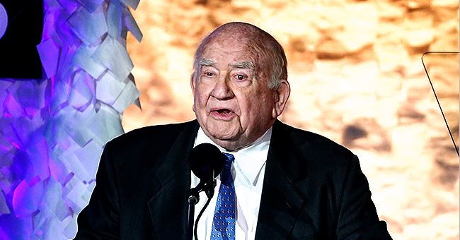 'Mary Tyler Moore Show' Star Ed Asner Pays Tribute to Valerie Harper after Death from Cancer