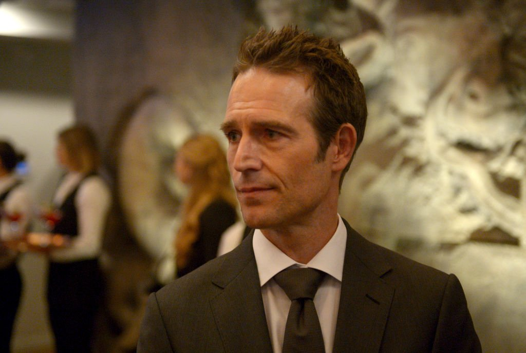 "Michael Vartan sur le tournage de la série ""The Arrangement"" 