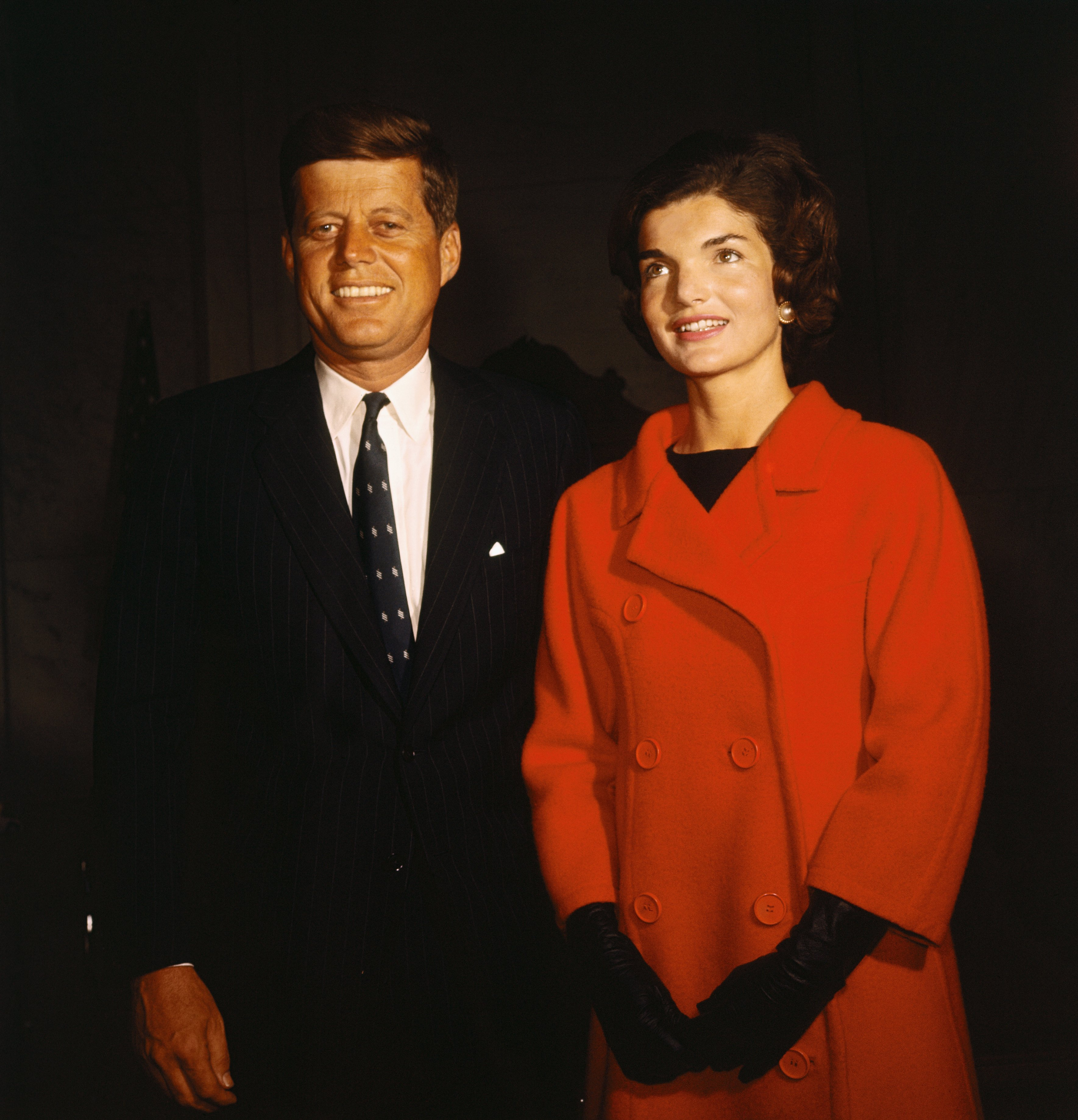 John F. Kennedy and wife Jacqueline Kennedy during his announcement for seeking presidential nomination on January 2, 1960 | Photo: Getty Images