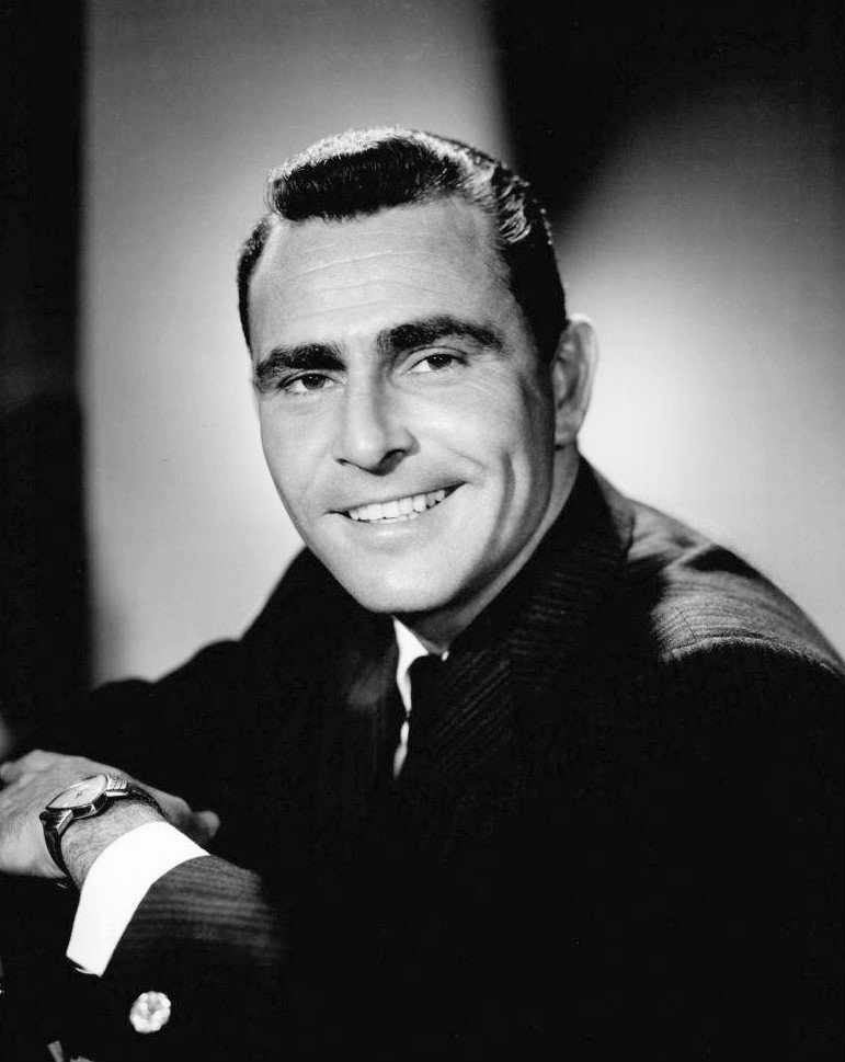 A CBS-TV portrait of the iconic television star Rod Serling, captured back in 1959. | Source: Wikimedia Commons