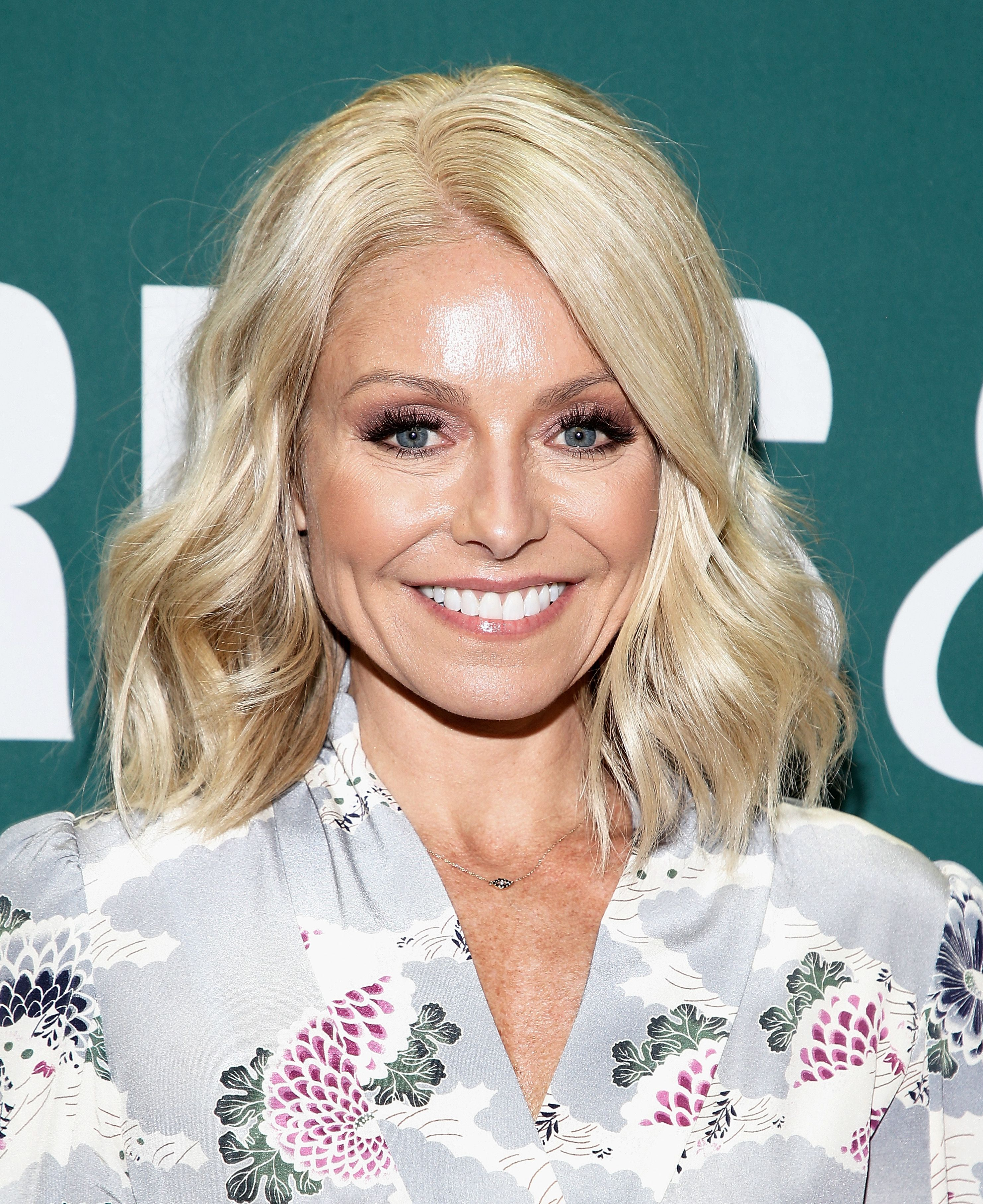 """Kelly Ripa at Jake Shears new book signing """"Boys Keep Swinging"""" at Barnes & Noble Union Square on February 28, 2018 in New York City 